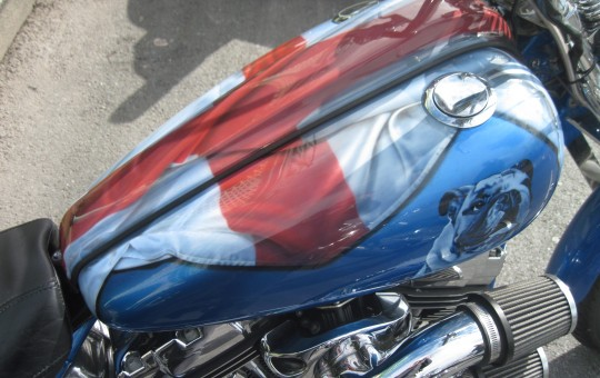 English flag airbrushed onto a Harley-Davidson tank