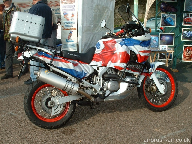 Crumpled Union Jack flag airbrushed on all panels of Honda Africa.