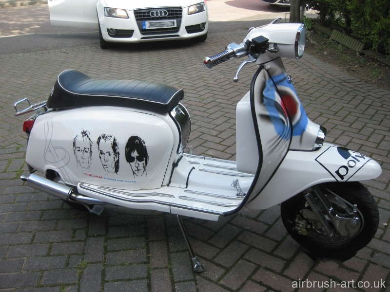 The whole side view of the GP Lambretta.