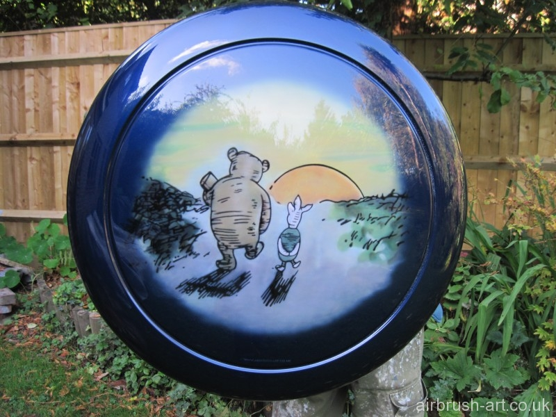 Pooh and Piglet airbrushed on spare wheel cover.