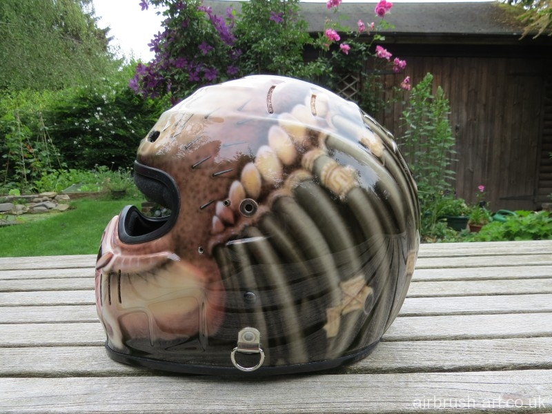 Predator dreadlocks airbrushed onto Simpson helmet.