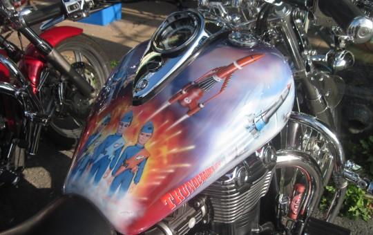 Triumph Thunderbird Airbrushing