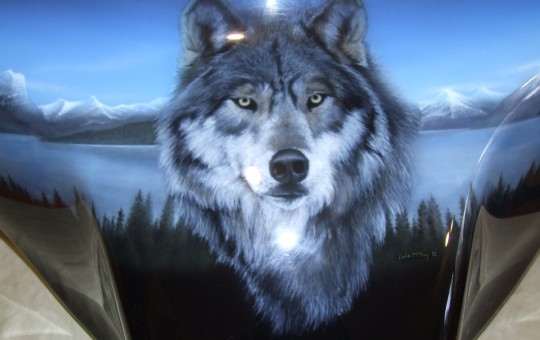 Airbrush Art Wolf Centre Piece